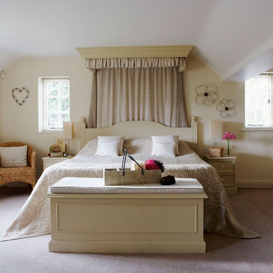 Bedroom country cottage in cheshire for Country cottage bedroom