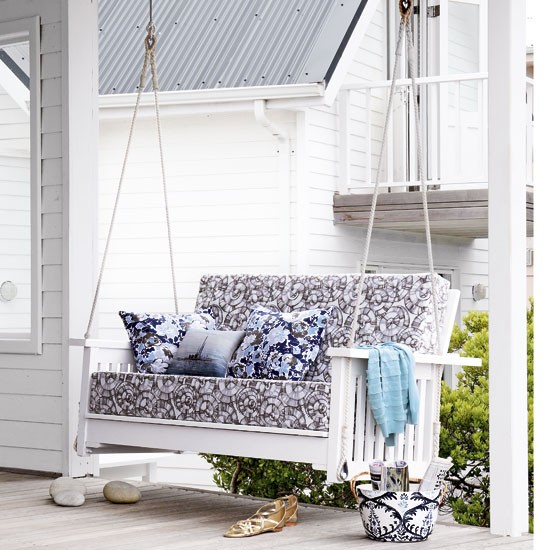Garden swing seat | Coastal-style decorating | Garden furniture | Image | Housetohome