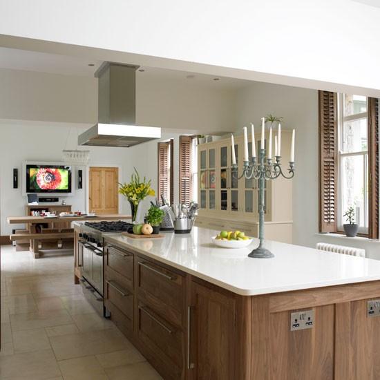 Kitchen island | Glamorous walnut kitchen | Beautiful Kitchens tour | PHOTO GALLERY | Housetohome