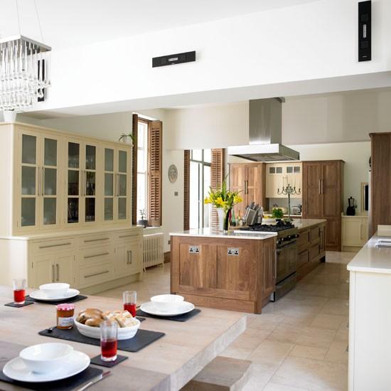 Walnut kitchen | Glamorous walnut kitchen | Beautiful Kitchens tour | PHOTO GALLERY | Housetohome
