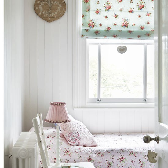 Girly guest bedroom | Vintage bedroom idea | Florals | Image | Housetohome