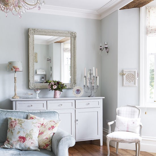 Vintage country living room | Pastel colours | Vintage design idea | Image | Housetohome