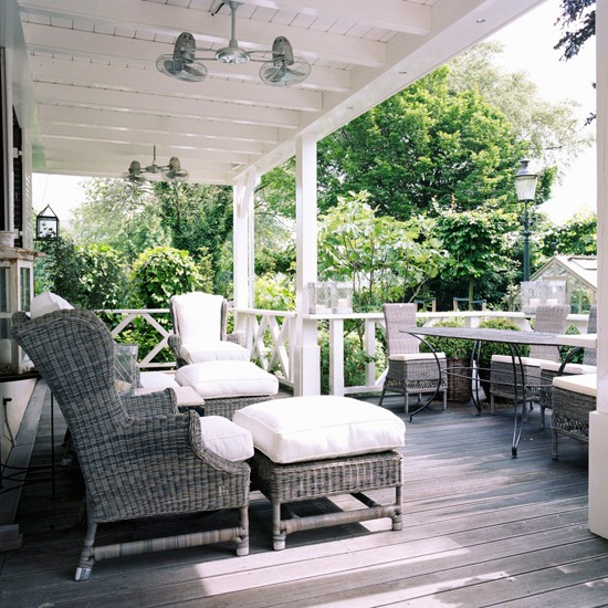 Use classic woven furniture | Garden terraces and decks - 10 best ...