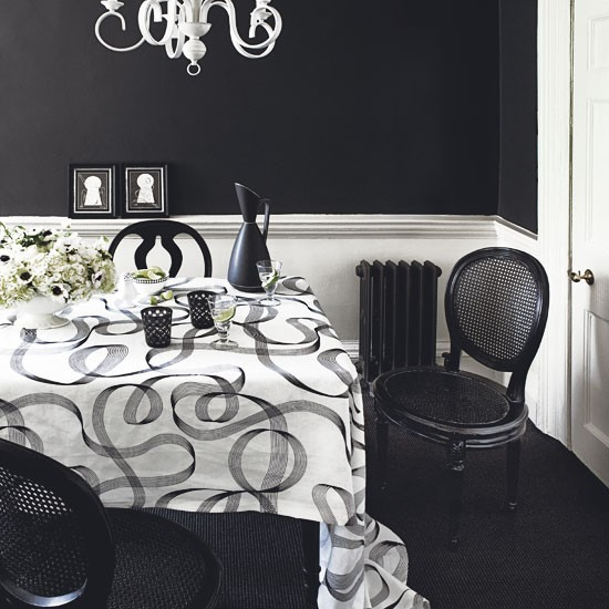 Paint it black | Decorating with black and white | Classic decorating ideas | PHOTO GALLERY | Homes & Gardens | Housetohome