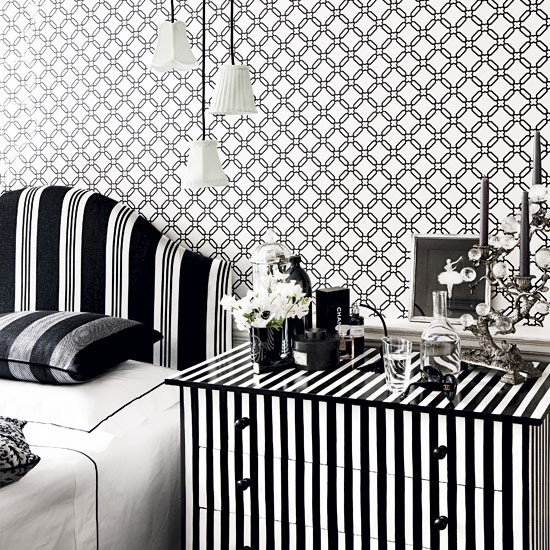 Beautiful Decorating a Bedroom Black and White 550 x 550 · 152 kB · jpeg