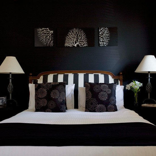 Decorating With Black White: Glamorous Bedroom Decorating