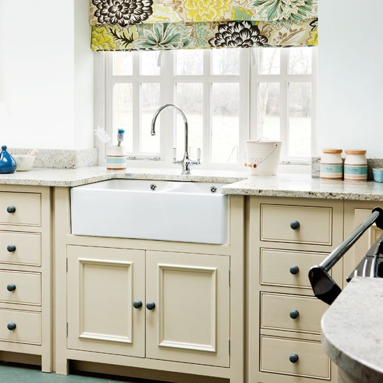 Sink Styles For Country Kitchen : Neutral country kitchen Floral blind Kitchen idea Image ...