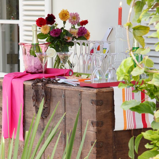 Garden drinks table | Garden decorations | Garden party ideas | Image | Housetohome