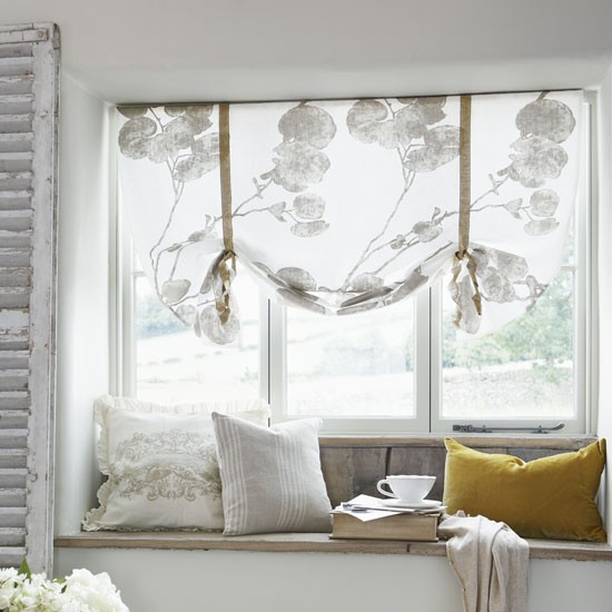 Refresh your windows with our easy country craft guide