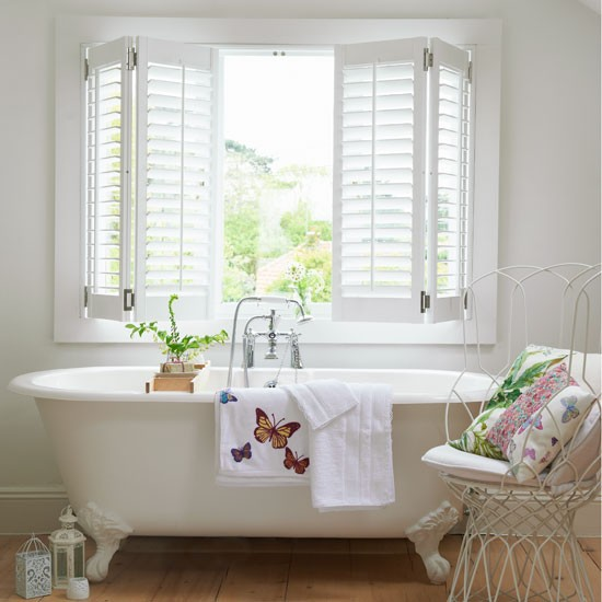 Indulgent white bathroom | White bathroom decorating | Neutral bathroom scheme | Image | Housetohome