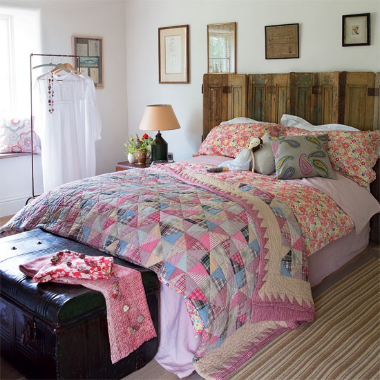 Patchwork bedroom Country bedroom idea housetohome co uk ~ Quarto Vintage Casal