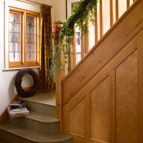 Festive staircase christmas 1930s detached home house for 1930s home design ideas