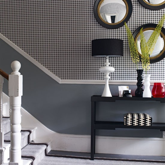 Monochrome hallway with feature wall chic monochrome for Monochrome design ideas