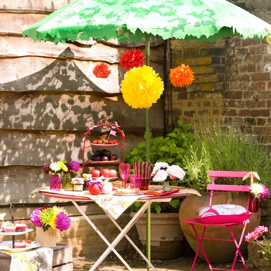 Summer garden with picnic table | Garden ideas | Picnic table | Parasol | Image | Housetohome