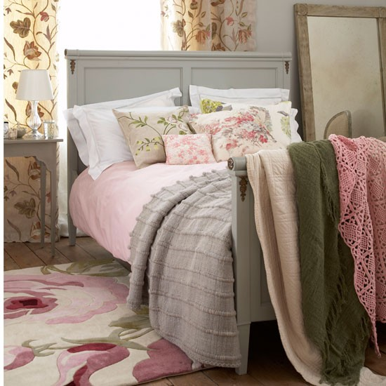 Create a bedroom focal point | cosy | bedroom | country | PHOTO GALLERY | Country Homes & Interiors