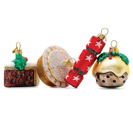 Cute christmas tree decorations pieces of sally p for Cute christmas decorations