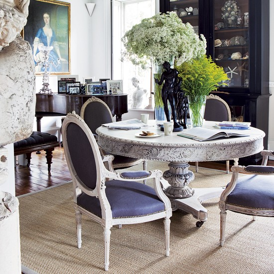 Dramatic dining room | Dining room decorating ideas | Dining room | Image | Housetohome.co.uk