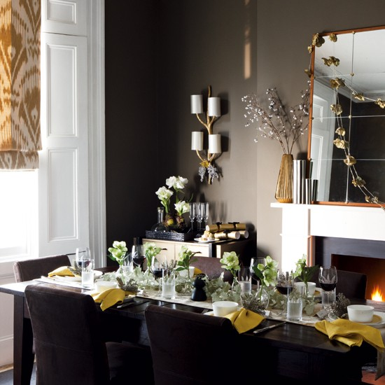 Christmas dining room | Timeless Christmas decorating | Homes & Gardens | PHOTO GALLERY | Housetohome.co.uk