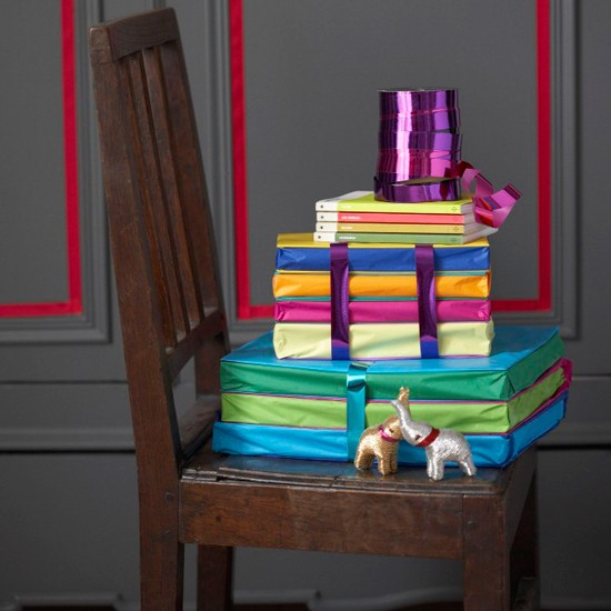 Cover books in tissue paper | Creative gift wrapping ideas | Christmas ideas 2011 | Christmas decorating | Christmas | Livingetc | PHOTO GALLERY | Housetohome