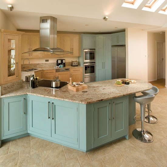 Maple kitchen | Take a look around this smart maple kitchen | Real kitchen | PHOTO GALLERY | Beautiful Kitchens
