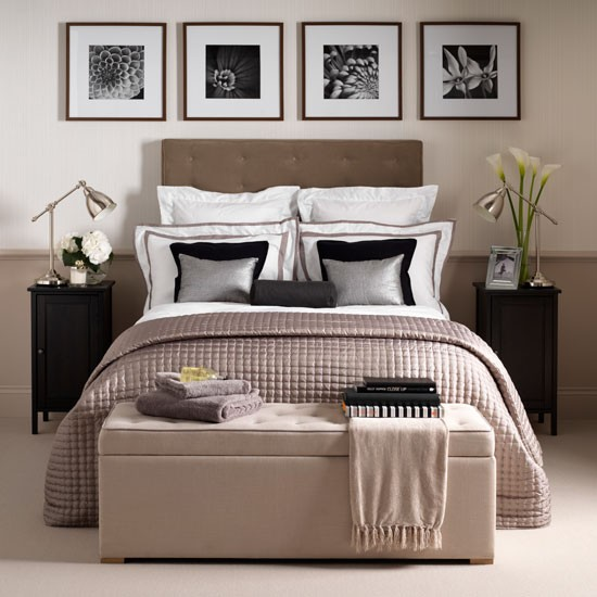Neutral hotel chic bedroom bedroom decorating ideas for Neutral home decor ideas
