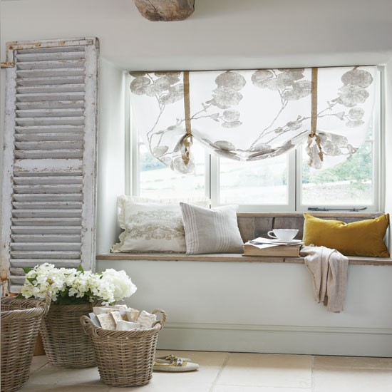 Salvaged Wooden Shutters Shabby Chic Decorating Ideas