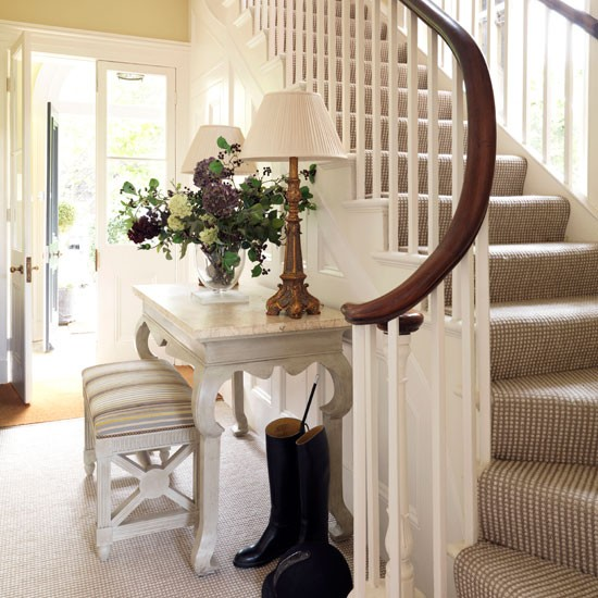 Classic entrance hall with neutral colours | Hallway | Housetohome | Decorating ideas | PHOTOGALLERY
