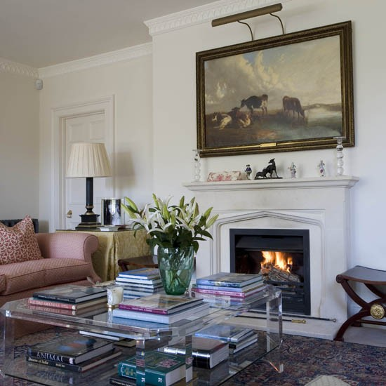 Sitting room country house tour 25 beautiful homes for Beautiful sitting rooms