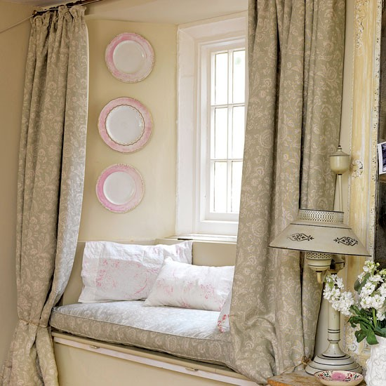 Frame a window seat dress and decorate country windows for Window seat curtains