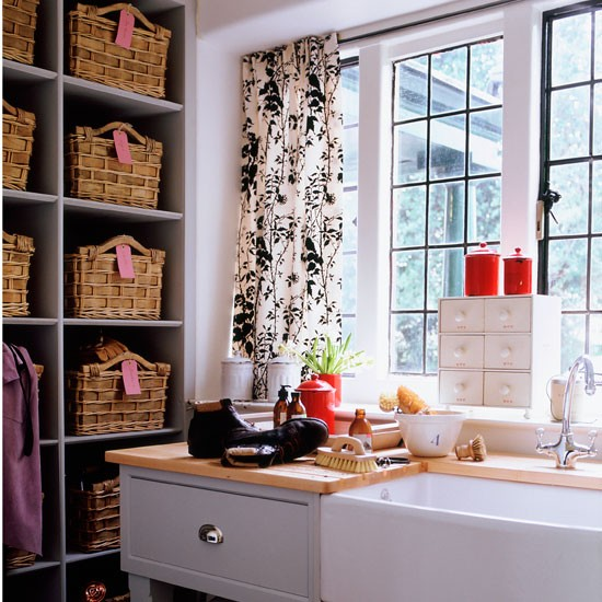 Honeycomb shelving classic utility rooms 10 of the for Utility rooms uk