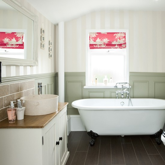 Bathroom blind | Bathroom decorating ideas | Bathrooms | Bathroom ideas | PHOTO GALLERY | Housetohome.co.uk