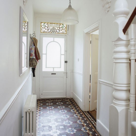 Victorian hallway | Hallway colour schemes | hallway | PHOTO GALLERY | 25 Beautiful Homes | Housetohome