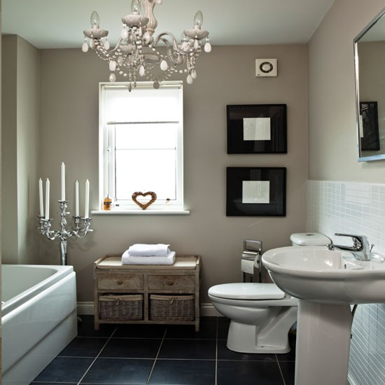 Chic white bathroom bathroom for Bathroom designs and colours