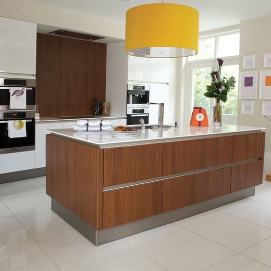 Modern kitchen with stylish island kitchen housetohome for Contemporary kitchens uk