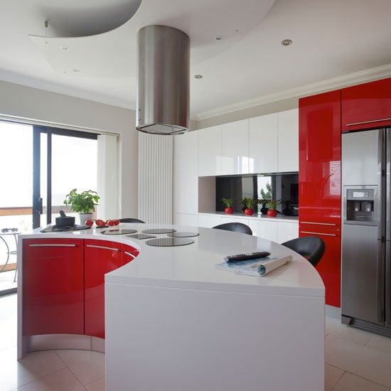 Modern red and white kitchen | Kitchen | Beautiful Kitchens | IMAGE | Housetohome.co.uk