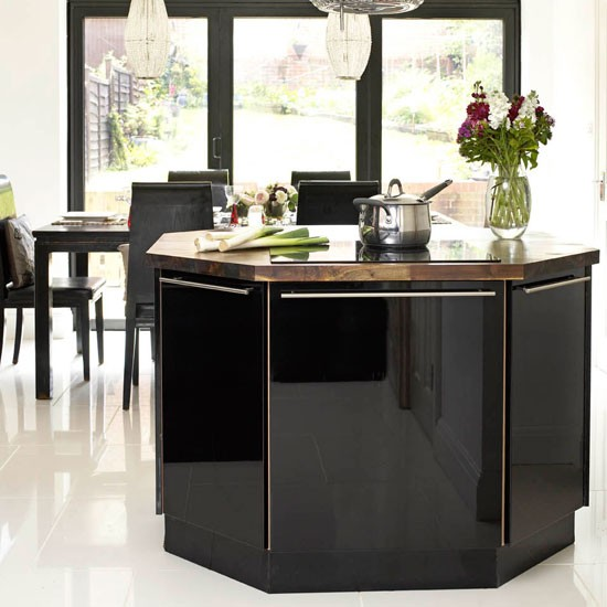 Black Kitchen Island Uk: Be Inspired By This Contemporary