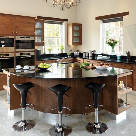 Walnut kitchen | Take a tour around a smart walnut kitchen | Kitchen tour | Beautiful Kitchens | PHOTO GALLERY