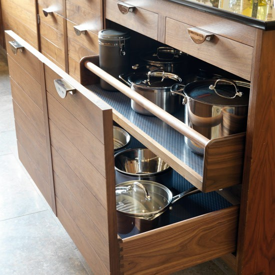 Pan drawers | Take a tour around a smart walnut kitchen | Kitchen tour | Beautiful Kitchens | PHOTO GALLERY