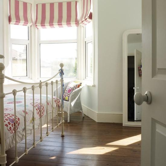 Align bedroom furniture feng shui bedrooms housetohome - Feng shui bedroom furniture ...
