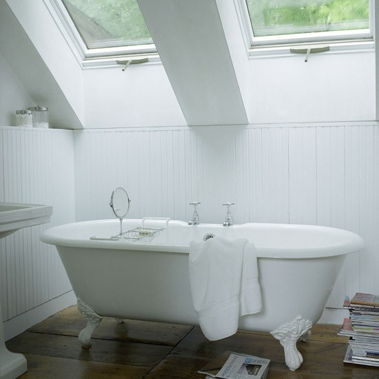 Bathroom Ideas White Tub : Small white bathroom design ideas