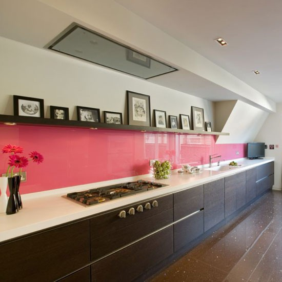 Kitchen with fuchsia pink glass splashback from Neil Lerner | Room idea | Housetohome | PHOTOGALLERY