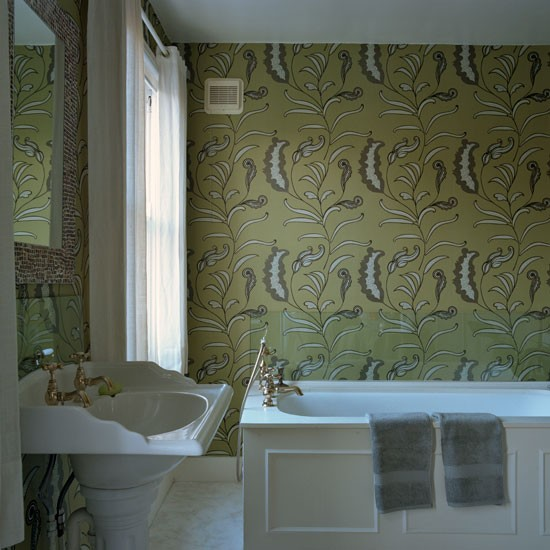 Bathroom with bold patterned wallpaper | Bathroom decorating ideas | Housetohome | PHOTOGALLERY
