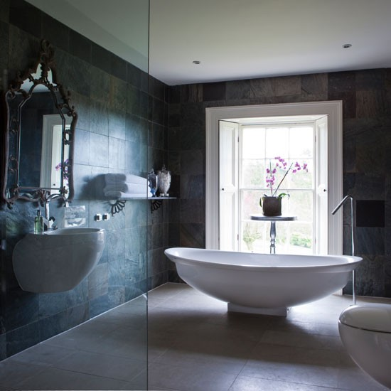 Modern classic classic bathroom decorating ideas for Luxury bathroom ideas uk
