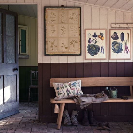 Country hallway with hand crafted bench and garden prints | Design ideas | Housetohome | PHOTOGALLERY