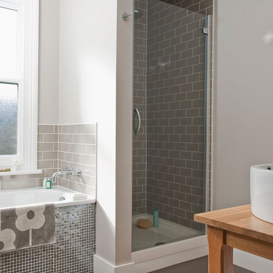 Traditional mid century style bathroom bathroom ideas for Edwardian bathroom designs