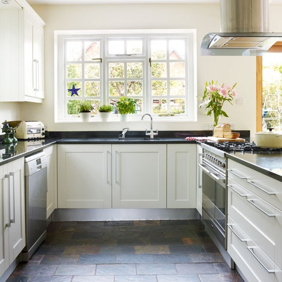 Country Kitchen Look: Light Country Style Kitchen