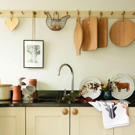 Wieszaki w kuchni for Country kitchen storage ideas