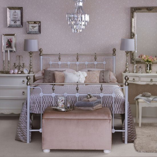 Vintage pink bedroom | Bedroom colour schemes | Bedroom decorating |PHOTO GALLERY | Ideal Home | Housetohome
