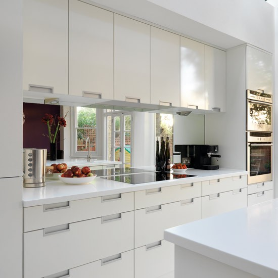 Splashback | Take a tour around a sleek white kitchen | Kitchen tour | Beautiful Kitchens | PHOTO GALLERY