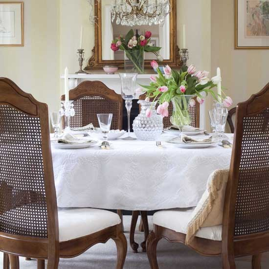 Dining room | House tour | Elegant 1930s Surrey house | PHOTO GALLERY | 25 Beautiful Homes | Housetohome